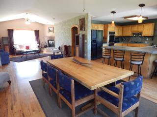 Pinot Vista: Dundee Foothills - Walk to Wineries! - Dundee vacation rentals