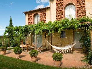 Charming elegant Villa in the hills of Lucca with 5 bdrs, garden, outside whirlpool bathtub. Natural beauty area.10% OFF - Lucca vacation rentals