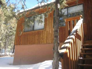 Cabina Escondida - Arroyo Seco vacation rentals
