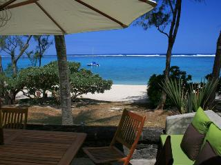 Villa Veloutier Blanc waterfront beach and lagoon - Roches Noires vacation rentals