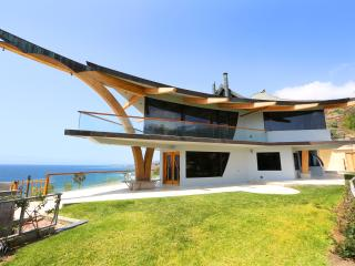 Eagle's Watch Malibu- Architectural w/ Ocean views - Malibu vacation rentals