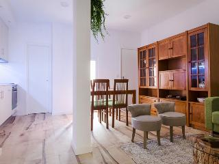Elegance, comfort and design - a gem in Chiado, best quarter in town - Lisbon vacation rentals