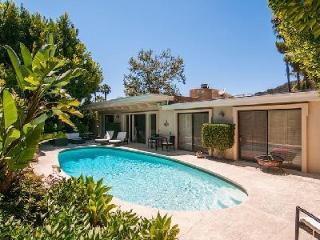 Contemporary Clear View Drive, privately gated villa with spa tub, pool & garden - Beverly Hills vacation rentals