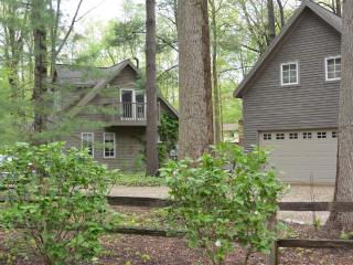 Creekside Cottage - Sawyer,MI - Southwest Michigan vacation rentals