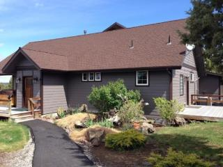 Country Quiet Yet Close to Town! 1 BR, High Ceilings, Newly Built, Gorgeous - Bend vacation rentals