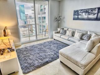 Chic 2 Bedroom Apartment in Downtown Miami - Miami vacation rentals