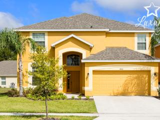 New 6-bed Pool Home, JAC/GR/INT, Frm $150nt! - Kissimmee vacation rentals
