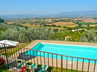 Enjoy the panoramic views from this 16th century house with private pool. - Campello sul Clitunno vacation rentals