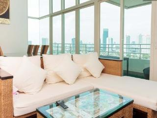 3BR-Orient Thai Decor Penthouse-Triplex-River View - Bangkok vacation rentals