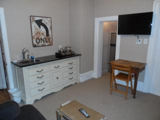 DOWNTOWN Traverse City Suite - Traverse City vacation rentals