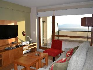 Apartment with terrace, Swimming pool and lake view (TLIIC) - San Carlos de Bariloche vacation rentals