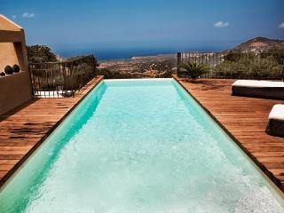 Nearby Calvi, exceptional villa with pool - Haute-Corse vacation rentals