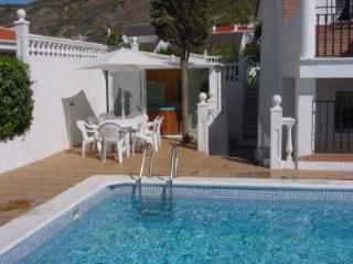 Lovely 3BR - Fun Holidays in the Sun or Snow! - Granada vacation rentals