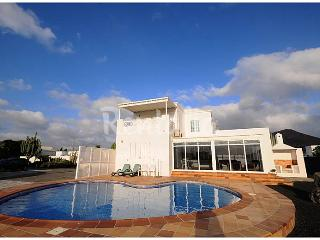 LUXURY VILLA WITH PRIVATE SWIMMINGPOOL/GARDENS AND 2000 M2 OF VOLCANIC LANDSCAPE - Conil vacation rentals