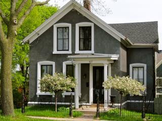 Downtown Madison: Lakefront - Madison vacation rentals
