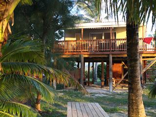 SunnyBay Beach Bach -  sun shines all day long! - Rarotonga vacation rentals