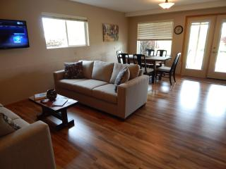 Hazelwood Haven - 3 bedroom with hot tub!!! - Dundee vacation rentals