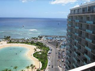 Deluxe 2-Bedroom Waikiki Condo..steps to the Sand! - Princeville vacation rentals