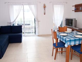 ZENTRAL Comfortable well located apartment - Sitges vacation rentals