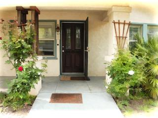 Vintage Home In the heart of the Chico avenues - Chico vacation rentals