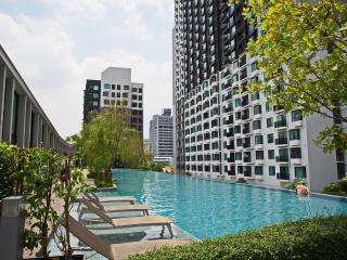 Vacation in BKK- New 1BR MEGAfacilities-  50M POOL - Bangkok vacation rentals