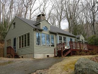 Wardlaw Cottage - Montreat Vacation Rentals - Montreat vacation rentals