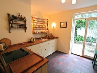 Paradise Walk,  (IVY LETTINGS). Fully managed, free wi-fi, discounts available. - London vacation rentals