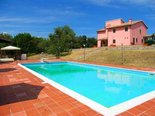Villa Vallocchia - 3 miles from central Spoleto. - Spoleto vacation rentals