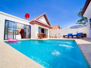 Pattaya - Talay Breeze Villa 2Bed - Chiang Mai Province vacation rentals