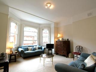 Bolton Gardens, (IVY LETTINGS). Fully managed, free wi-fi, discounts available - London vacation rentals