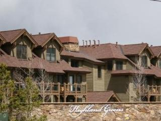 Highland Greens Lodge 210 next to Jack Nicklaus designed Breckenridge Golf Club - Frisco vacation rentals