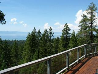 Exceptional lakeview home- cathedral windows, pool table, wet bar, fireplace - South Lake Tahoe vacation rentals