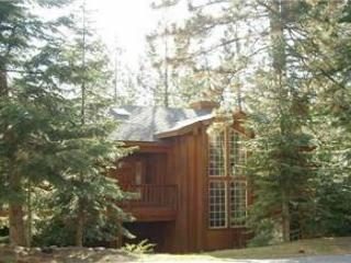 Stunning luxury mountain home- pool table, private jacuzzi, large screen tv - South Lake Tahoe vacation rentals