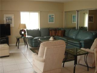 2BR w/ view of the white sand of Crescent Beach - 12 South - Siesta Key vacation rentals