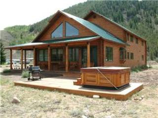 Beautiful  4BR Vacation Home with Mountain Views at Three Rivers Resort in Almont (George Bailey Home) - Almont vacation rentals