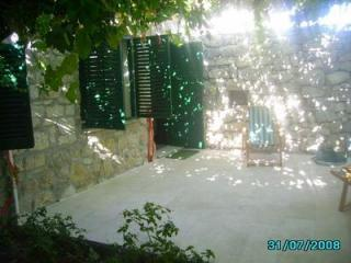 GARDEN APARTMENT HOTEL - Split vacation rentals