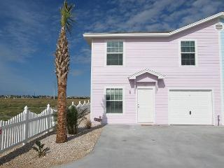 This four bedroom sleeps 12 and is a five minute walk to the beach! - Port Aransas vacation rentals