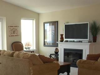 Beautiful 2-BD beach home!  Walk to beach & lighthouse! - Westport vacation rentals
