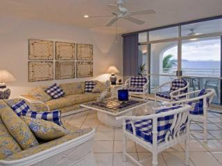 Beachfront 3 bedroom on stunning Miramar Beach - Manzanillo vacation rentals