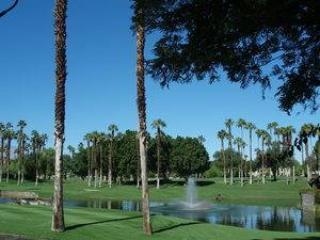 Golf Membership! The Lakes CC-Nice Home & Views (KL853) - Palm Desert vacation rentals