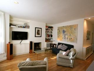 Bramber Road (IVY LETTINGS). Fully managed, free wi-fi, discounts available - London vacation rentals