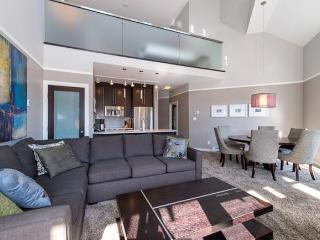 Deluxe newly renovated 2 bedroom plus loft ski in ski out - British Columbia Mountains vacation rentals