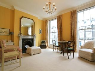 Primrose Hill,  (IVY LETTINGS). Fully managed, free wi-fi, discounts available. - London vacation rentals
