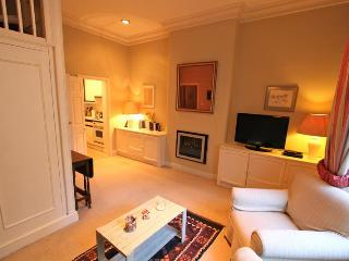 Ennismore Gardens, (IVY LETTINGS). Fully managed, free wi-fi, discounts available - London vacation rentals
