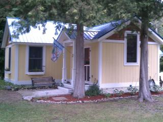 Van Huis Cottage in Mackinaw City - Northeast Michigan vacation rentals