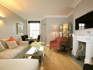Queensgate,  (IVY LETTINGS). Fully managed, free wi-fi, discounts available. - London vacation rentals