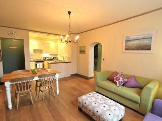 Ranelagh Gardens,  (IVY LETTINGS). Fully managed, free wi-fi, discounts available. - London vacation rentals