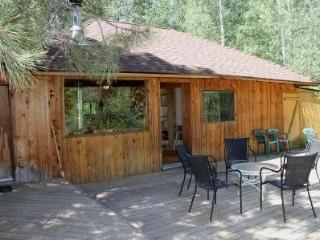 ASPEN WOOD CABIN - Camp Sherman cabin on one private acre. Will sleep up to 4. - Camp Sherman vacation rentals
