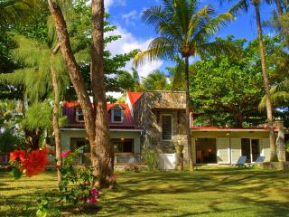 5-star beach villa, Authentic Mauritius Nice Pool. - Mauritius vacation rentals