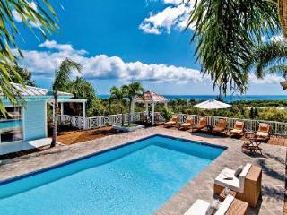 Jacaranda - Hillside villa with pool & spacious deck to enjoy the views - Terres Basses vacation rentals